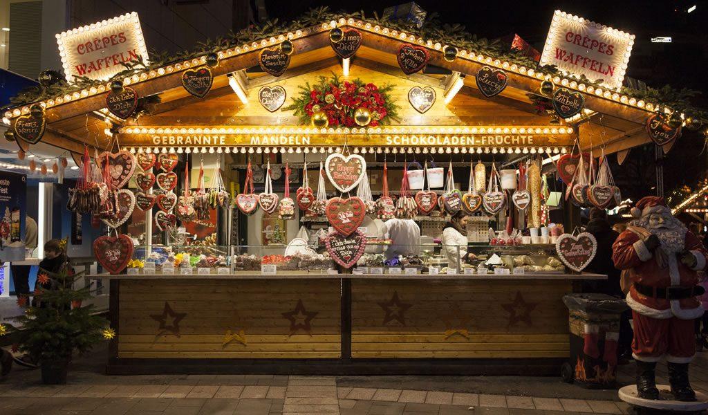 جرب عالم الأحلام المليء بالاضوء والراحة أثناء المشي في السوق في دوسلدورف.